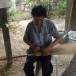 นายอินสอน     ชัยเวียง (การทำไม้กวาดทางมะพร้าว และทำบันใดจากไม้ไผ่)